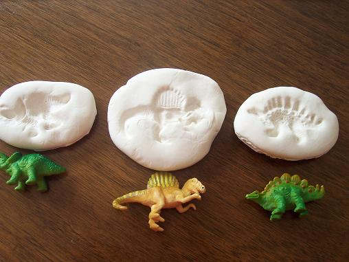 Our crafts n things blog archive dinosaur fossils for Dinosaur crafts for toddlers